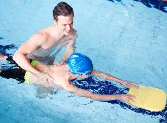 Jak nauczyć się pływać – krótki i skuteczny poradnik
