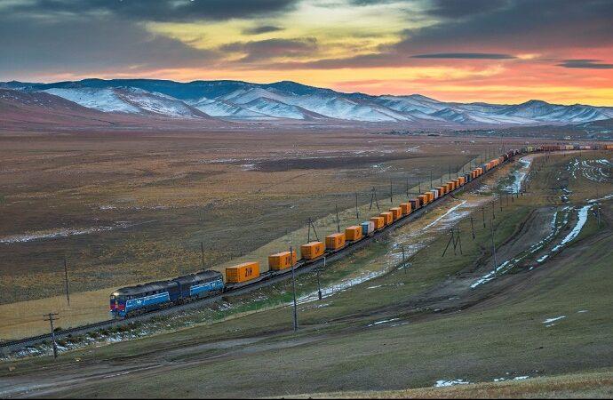 Transport kolejowy versus obsługa małych partii ładunków